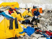 Andrzej Bargiel - przed bazą na Mount Everest