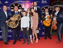 Od lewej: prezes Kino Świat Tomasz Karczewski, Ignacy Karczewski, Pola Kasprów, Julia Wieniawa, Tomasz Kot