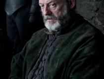 Liam Cunningham jako Davos Seaworth