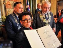Olga Tokarczuk honorową obywatelką Krakowa