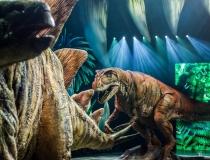 """Niesamowite widowisko: """"Wędrówki z dinozaurami"""""""