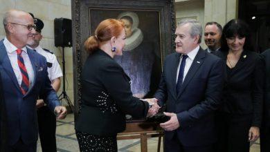 """Photo of Zrabowany """"Portret damy"""" Melchiora Geldorpa wrócił do warszawskiego Muzeum Narodowego"""