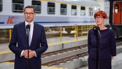 Photo of 2 250 zł – minimalne wynagrodzenie za pracę w 2019 roku. Premier: dotrzymujemy słowa