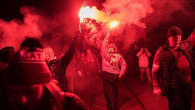 Photo of Marsz Niepodległości 2018 z prezydentem Andrzejem Dudą. Policja zatrzymała 100 osób [ZDJĘCIA]