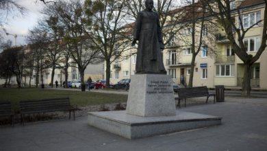 Photo of Radni odebrali tytuł Honorowego Obywatela Gdańska ks. Henrykowi Jankowskiemu