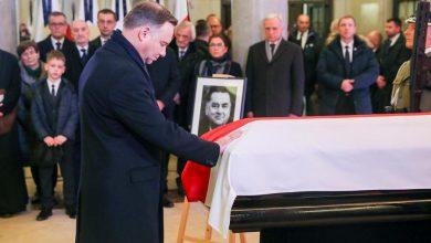 Photo of Pożegnanie byłego premiera Jana Olszewskiego. Uroczystości pogrzebowe w sobotę