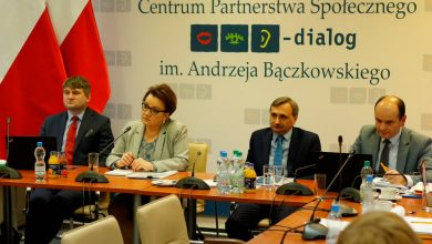 Photo of Przełom w rozmowach wg MEN z nauczycielskimi związkami zawodowymi. 1 mld zł na podwyżki