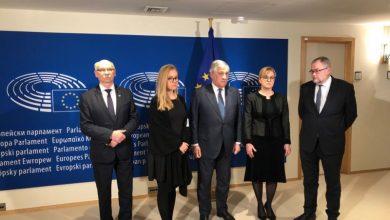 Photo of Parlament Europejski przeciwko mowie nienawiści. Rodzina prezydenta Adamowicza w Brukseli