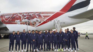 Photo of Piłkarze klubu Arsenal FC na pokładzie samolotu Emirates z wyjątkowym malowaniem [WIDEO]