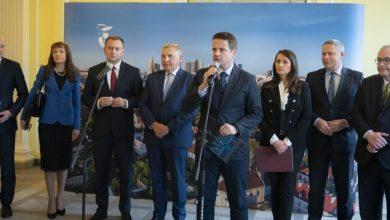 """Photo of Prezydenci 12 największych miast apelują do rządu: stop """"deformie"""" edukacji"""