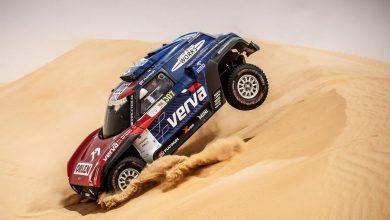 Photo of 1. etap – awaria samochodu. Kuba Przygoński na 5. pozycji w Abu Dhabi Desert Challenge [ZDJĘCIA]