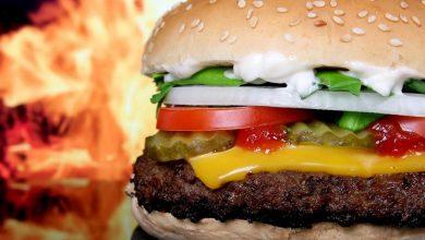 """Photo of UE o zakazie """"wegańskiego mięsa"""". Koniec z """"wege burgerami""""?"""