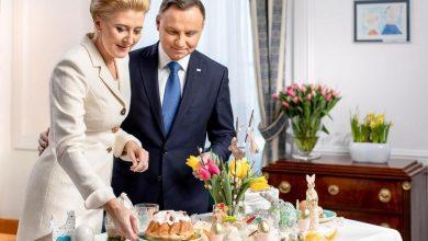 """Photo of Życzenia świąteczne od Pary Prezydenckiej i premiera Morawieckiego z """"piątką Kaczyńskiego"""" [WIDEO]"""