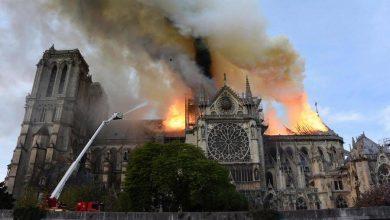 """Photo of Pożar katedry Notre Dame. Korona cierniowa uratowana. Tusk: """"pomoc we wspólnej odbudowie świątyni"""""""