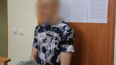 Photo of Ojciec wystawił 1,5 roczną córkę przez okno jadącego autobusu. Usłyszał zarzuty