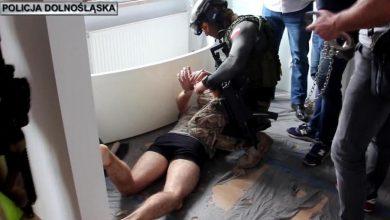 Photo of Zabójca 10-letniej Kristiny z Mrowin przyznał się do winy. Prokuratorskie zarzuty dla 22-latka [WIDEO]