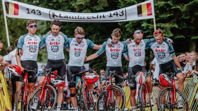 Photo of Tour de Pologne 2019. Kolarze uczcili pamięć Bjorga Lambrechta. Peleton przejechał trasę w ciszy
