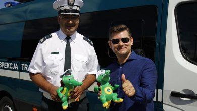 Photo of Zenon Martyniuk wręczał kierowcom krokodylka. Apeluje o bezpieczną i przepisową jazdę