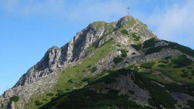 Photo of Tragedia w Tatrach. Piorun uderzył w Giewont. Zginęły cztery osoby