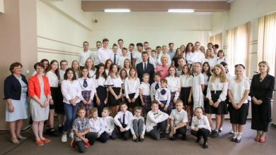 Photo of Nowy rok szkolny 2019/2020. 4,6 mln uczniów rozpoczęło naukę. Pierwsza dama w Liceum Polonijnym