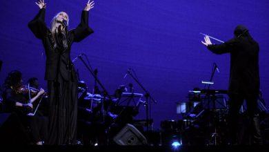 Photo of Mary Komasa promuje nową płytę na koncercie. Anja Rubik oklaskuje przyjaciółkę [ZDJĘCIA]
