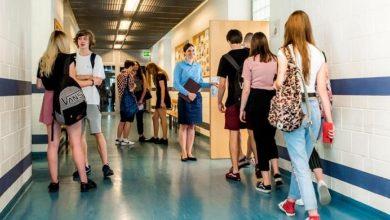 Photo of Szkoły w czasach pandemii. Uczniowie skazani na system hybrydowy?