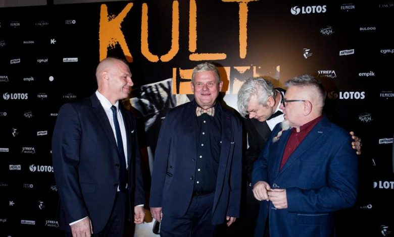 """Photo of Uroczysta premiera z udziałem zespołu. """"Kult. Film"""" wkrótce w kinach [ZDJĘCIA]"""