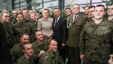 Photo of Spotkanie świąteczne Pary Prezydenckiej i szefa MON z żołnierzami
