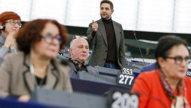 Photo of Praworządność w Polsce i na Węgrzech pogarsza się. Krzyki europosłów PiS w PE