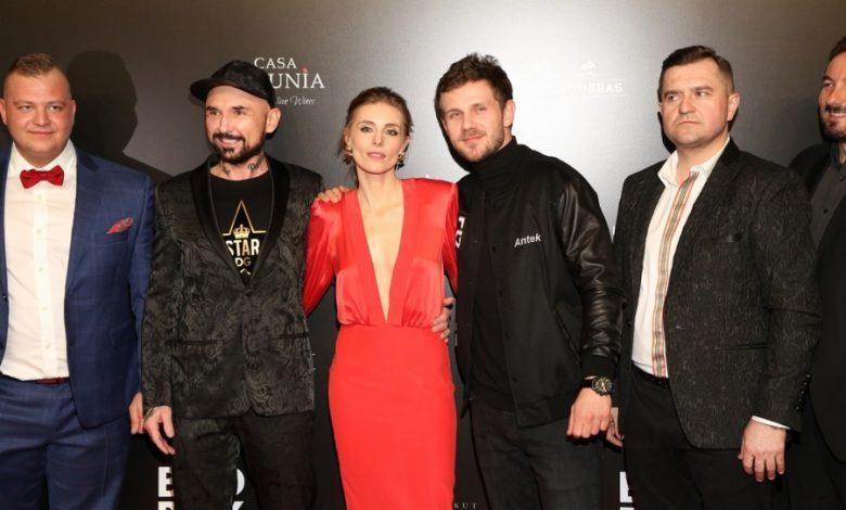 """Photo of Tłum gwiazd i… zatrzymanie poszukiwanej kobiety na uroczystej premierze """"Bad boy"""" Patryka Vegi [ZDJĘCIA]"""