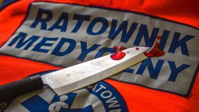 Photo of Pacjent z podejrzeniem koronawirusa wielokrotnie dźgnął nożem ratownika