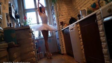 """Photo of 157 tancerzy w mini spektaklu """"Kwarantaniec"""". Dodają otuchy w tym trudnym czasie [WIDEO]"""