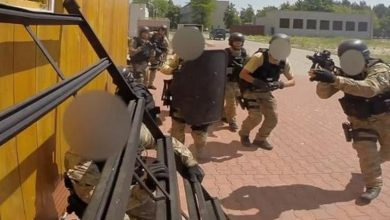 Photo of Zatrzymano cudzoziemców sympatyzujących z ISIS. Werbowali osoby do działań o charakterze terrorystycznym