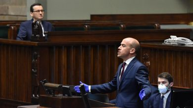 """Photo of Wybory prezydenckie – """"chory"""" PiS. Głosowanie korespondencyjne przyjęte przez Sejm"""