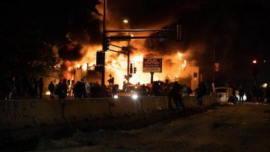Photo of Zamieszki w USA – brutalność policji. Protest Amerykanów ws. śmierci George'a Floyda [ZDJĘCIA]