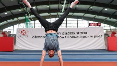 """Photo of Piotr Lisek trenuje w Spale. """"Marzę o medalu igrzysk olimpijskich w Tokio"""""""
