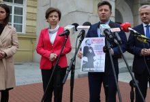 """Photo of """"Ewangelia wg Łukasza Sz."""" – plakaty szkalujące ministra Szumowskiego"""