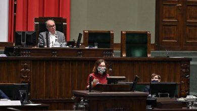Photo of Wybory prezydenckie w innym terminie. Biedroń: Trybunał Stanu dla Morawieckiego i Sasina