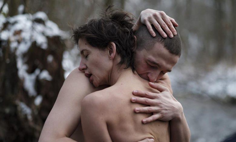 """Photo of Kobieta produktem w surrealistycznym świecie. Pierwszy polski film Netflix """"Erotica 2022"""""""