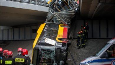 Photo of Autobus spadł z mostu w Warszawie. Kierowca był pod wpływem amfetaminy. Nagranie z wypadku