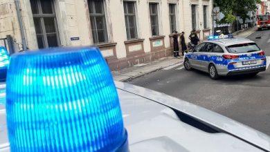 Photo of Puścił bąka przy policjantach. Został skazany na 20 godzin prac społecznych