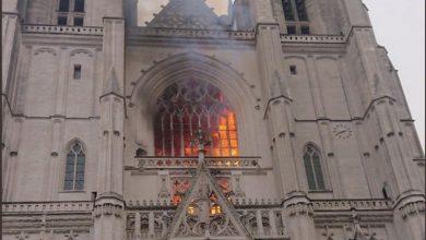 Photo of Pożar katedry w Nantes. Ogień opanowany. Możliwe podpalenie [WIDEO]