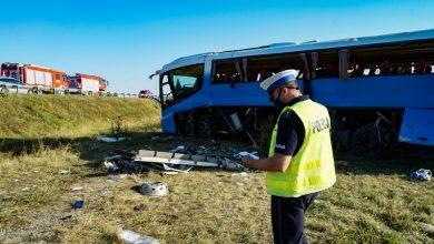 Photo of Wypadek autokaru na autostradzie A1. Pojazd spadł ze skarpy i przekoziołkował