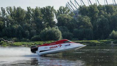 Photo of Dwa bolidy Formuły 1 w stolicy Polski