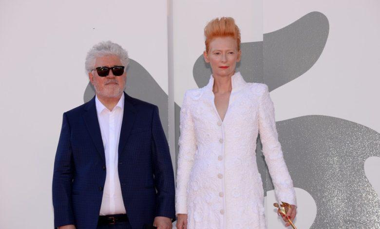 Photo of 77. Międzynarodowy Festiwal Filmów w Wenecji – ceremonia otwarcia. Cate Blanchett i Tilda Swinton na czerwonym dywanie [ZDJĘCIA]