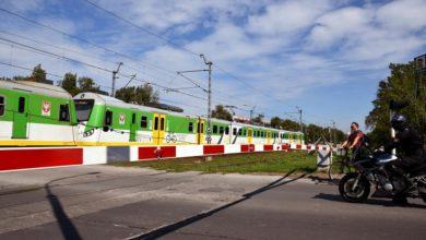 """Photo of PLK. Na przejazdach kolejowo-drogowych mniej wypadków. Akcja """"Bezpieczne Piątki"""" – podsumowanie"""