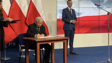 Photo of Kaczyński, Ziobro i Gowin. Nowa umowa koalicyjna podpisana