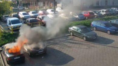 Photo of Spłonęły dwa samochody. Podpalacze mają 4 i 9 lat