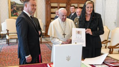 Photo of Prezydent Andrzej Duda z małżonką w Watykanie. Audiencja u papieża Franciszka