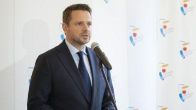 """Photo of Prezydent Warszawy Rafał Trzaskowski zakażony koronawirusem. """"Uważajcie na siebie!"""""""